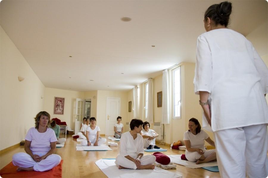 Clases de Yoga para Adultos. Escuela Kundalini Yoga Zaragoza-1