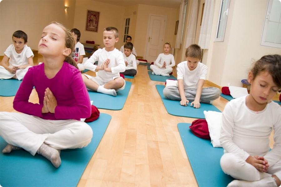 Clases de Yoga para Niños y Jovenes. Escuela Kundalini Yoga Zaragoza-1