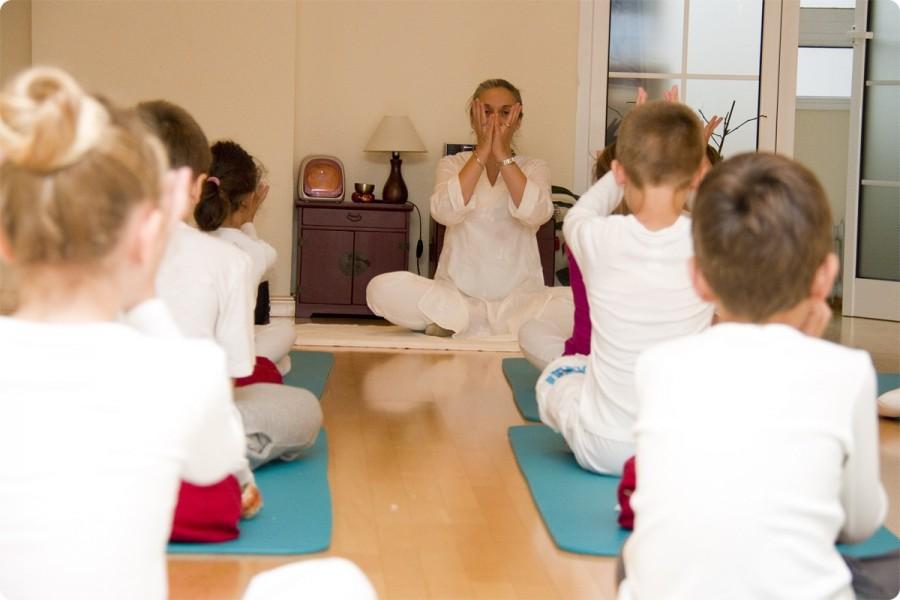 Clases de Yoga para Niños y Jovenes. Escuela Kundalini Yoga Zaragoza-3
