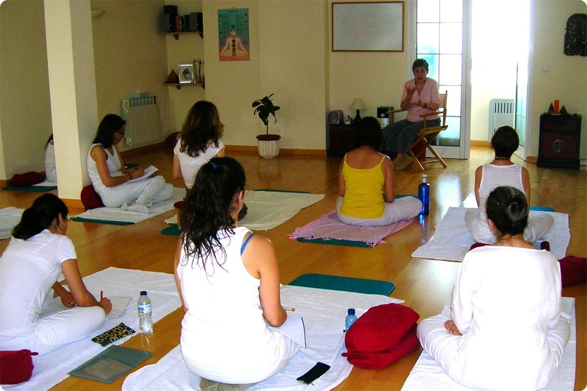 Noticias. Taller presentacion Curso Sat Nam Rasayan 2015-2016. Escuela Kundalini Yoga Zaragoza