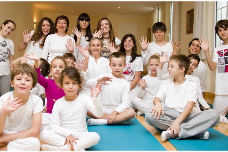 Clases de Yoga para Niños y Jovenes. Escuela Kundalini Yoga Zaragoza-4